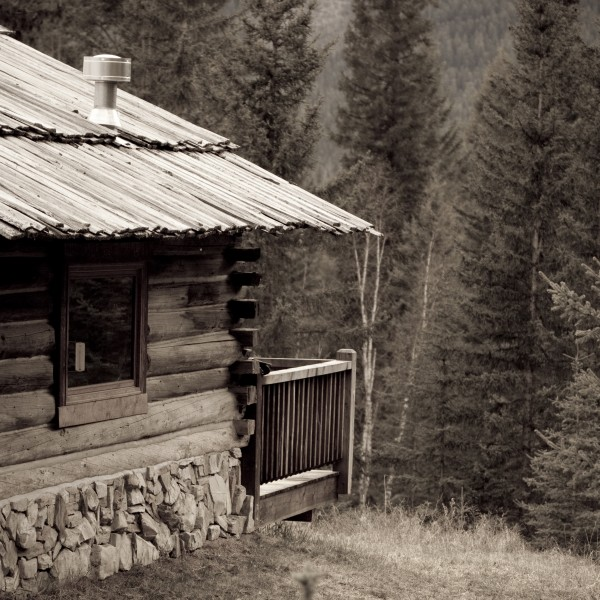 Nipika Mountain Resort - Yearling Cabin